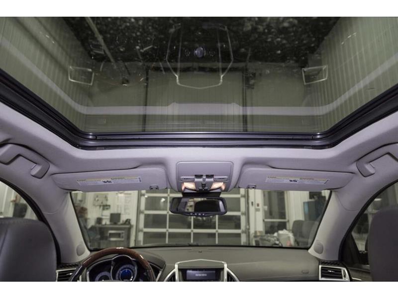 Cadillac SRX 23