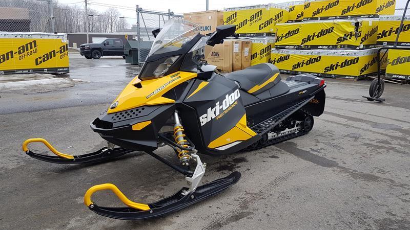 Skidoo Renegade adrenaline 600 etec 2012