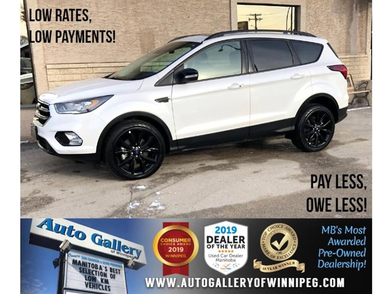 2019 Ford Escape Titanium *AWD/Navi/B.tooth/Htd Seats/Pano Roof #24230
