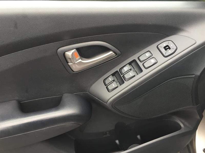 Hyundai Tucson FWD 6