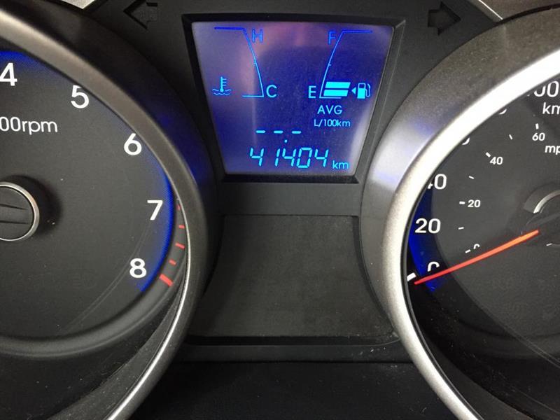 Hyundai Tucson FWD 12