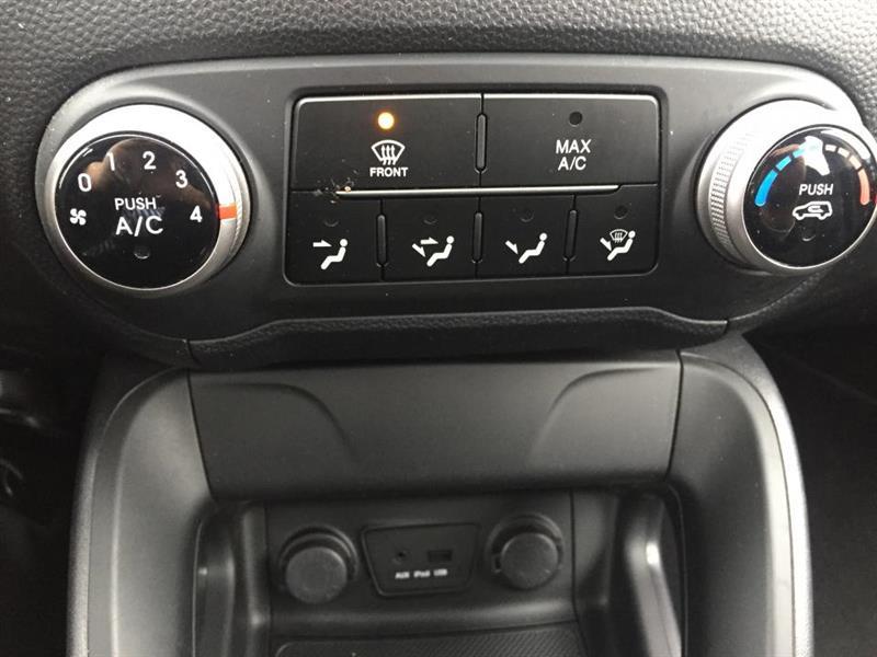 Hyundai Tucson FWD 14