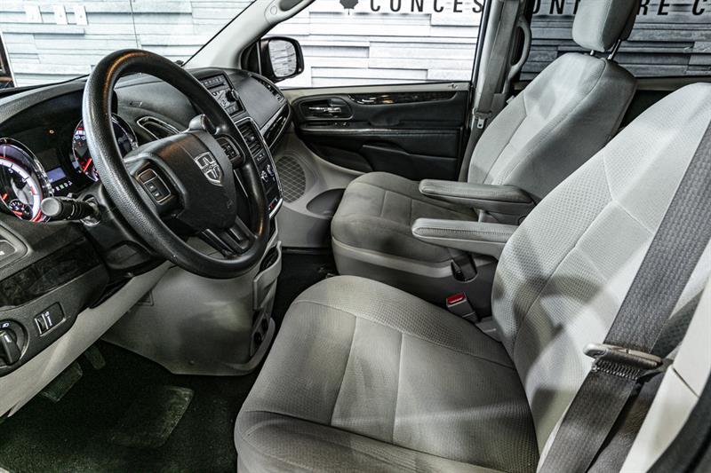 Dodge Grand Caravan 9