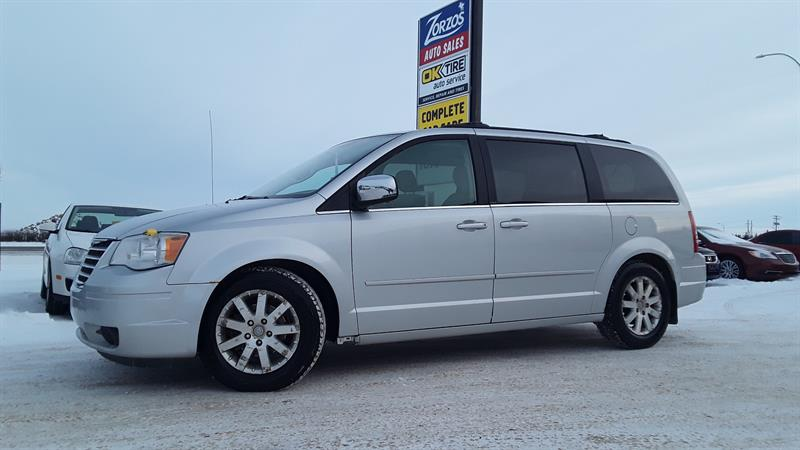 2008 Chrysler Town & Country Touring #P616