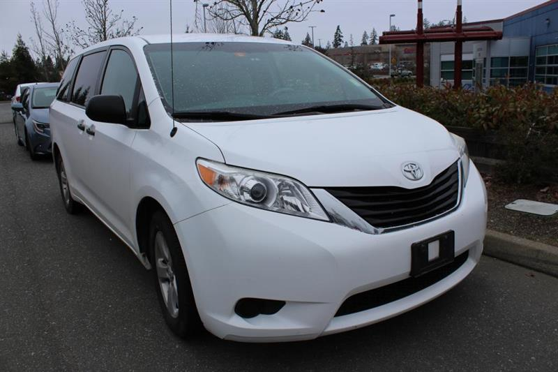 2011 Toyota Sienna 7-Passenger #12817A (KEY 69)