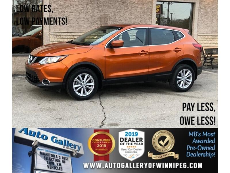 2017 Nissan Qashqai SV *AWD/B.tooth/Back.Cam/Htd Seats/Roof #24176
