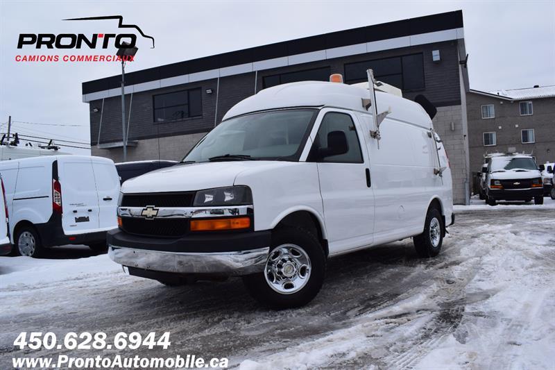 Chevrolet Express Cargo Van 32