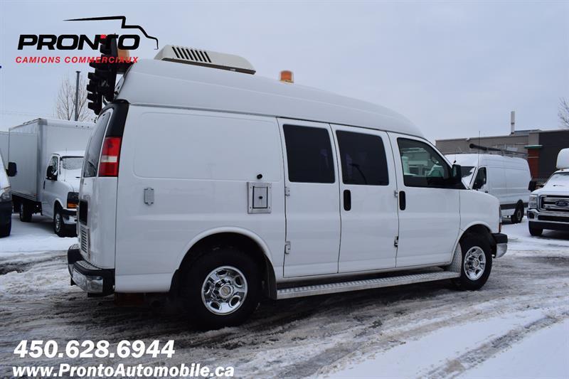 Chevrolet Express Cargo Van 6