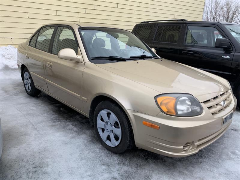 Hyundai Accent 2004 EN ATTENTE DE LIVRAISON #20-044