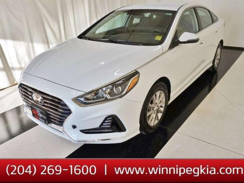 2019 Hyundai Sonata Essential #19HS64037