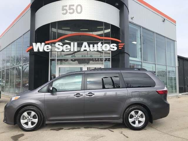 2019 Toyota Sienna LE #19TS14111