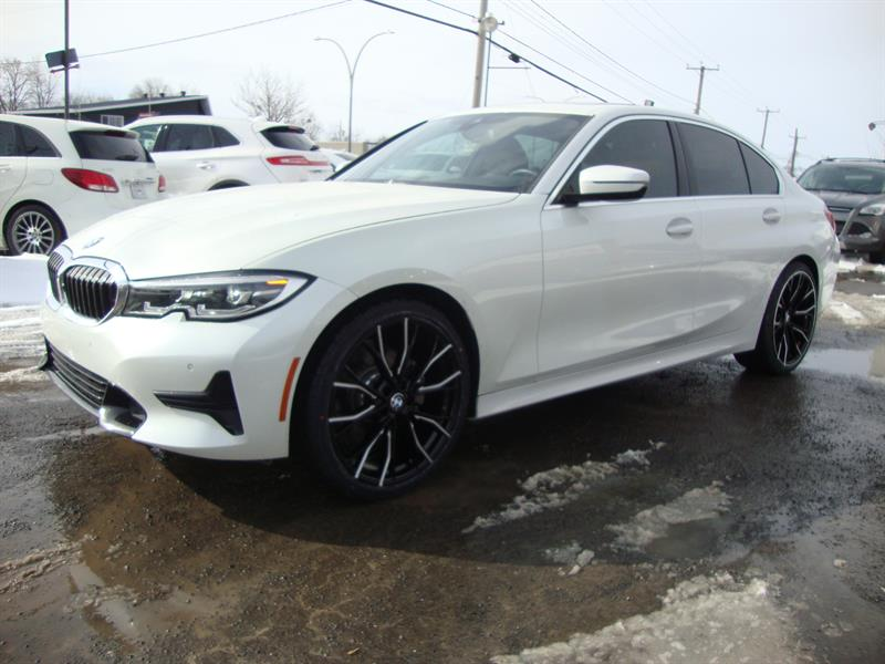 BMW 3 Series 2019 330i xDrive SPORT-NAVIGATION- 20MAGS #M19-6464