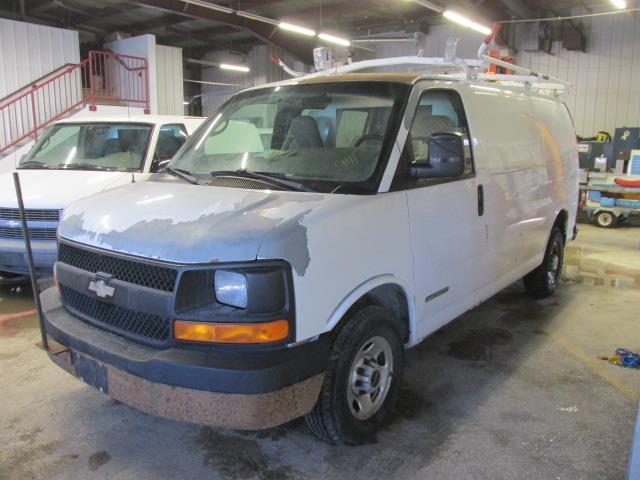 2004 GMC Savana Cargo Van 2500 135 WB RWD #1175-1-52