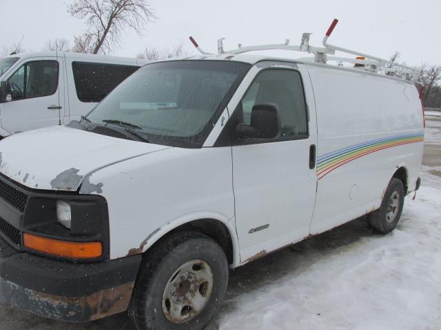 2005 Chevrolet Express Cargo Van 2500 135 WB RWD #1175-1-61