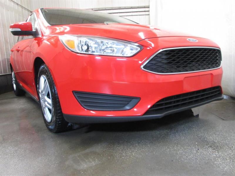 Ford Focus Sedan 10
