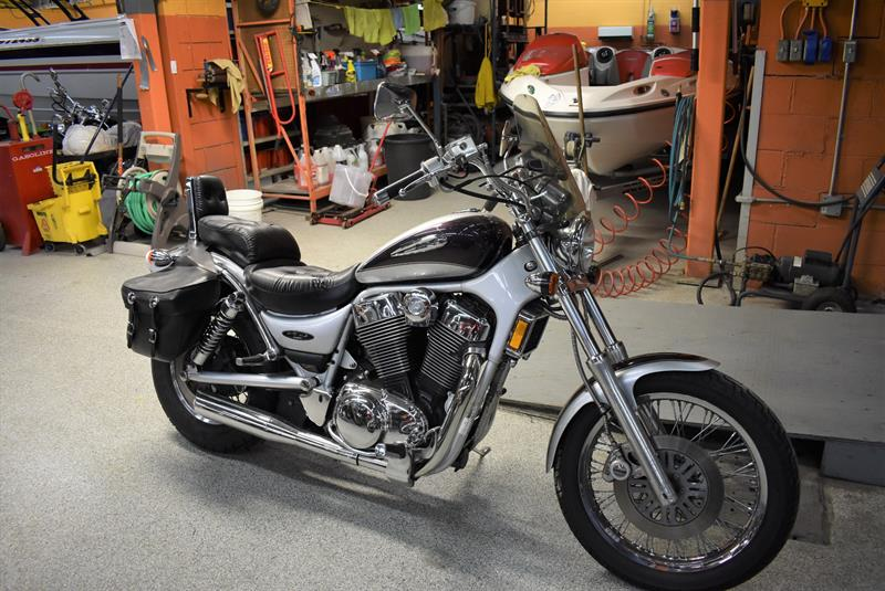 Suzuki VS1400 2004