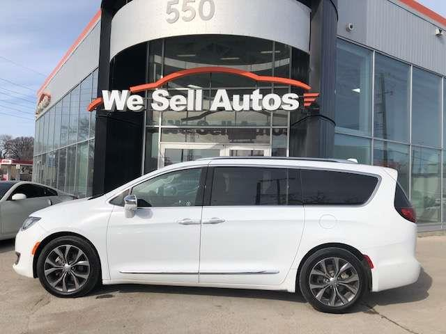 2017 Chrysler Pacifica Limited #17CP32558