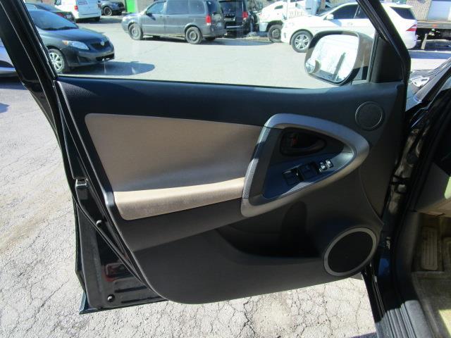 Toyota RAV4 4WD 21