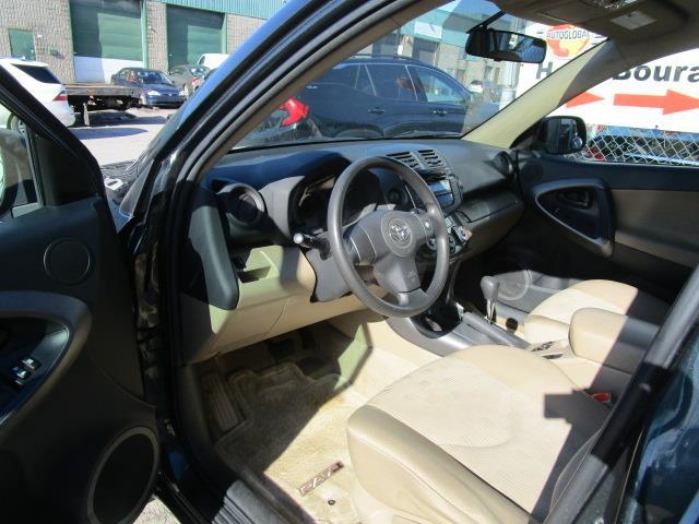 Toyota RAV4 4WD 23