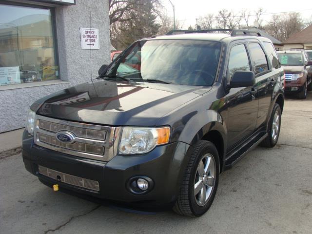 2009 Ford Escape  A.W.D. X L T