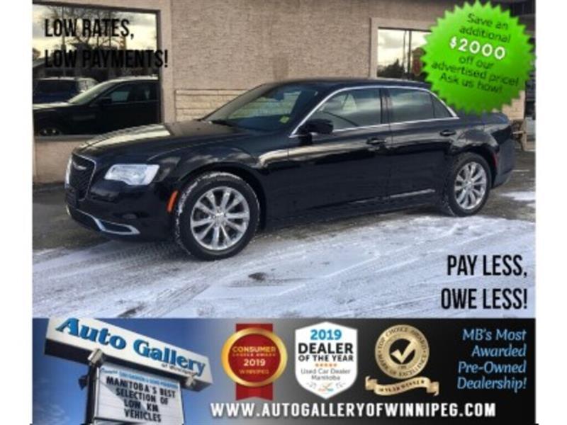 2017 Chrysler 300 Touring *AWD/B.tooth/Pano Roof #24094
