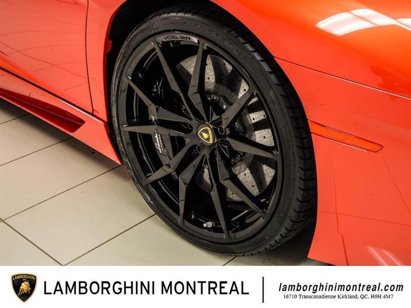 Lamborghini Aventador 10