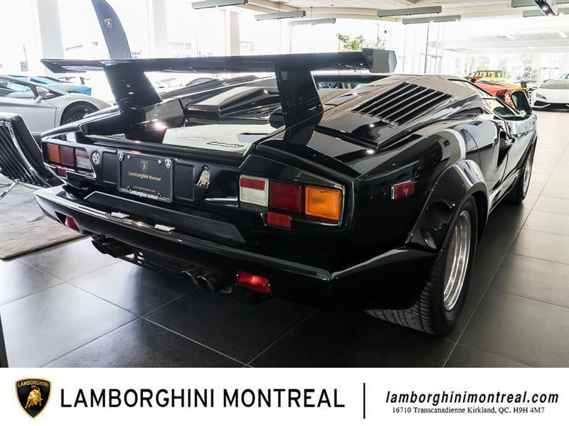 Lamborghini Countach 6