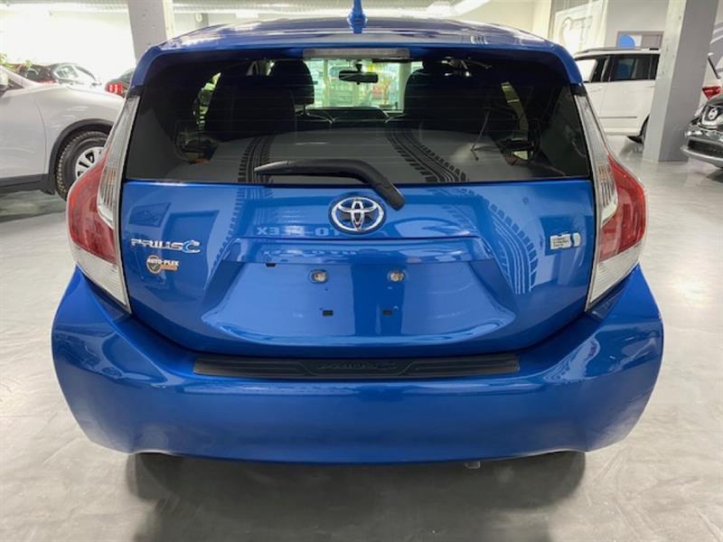 Toyota Prius C 4
