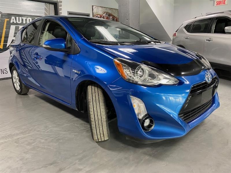 Toyota Prius C 6