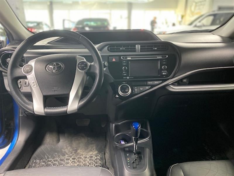 Toyota Prius C 11