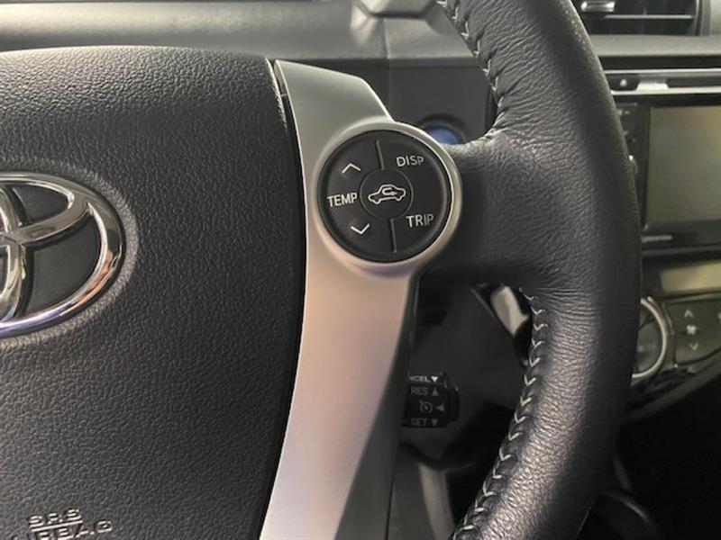 Toyota Prius C 14
