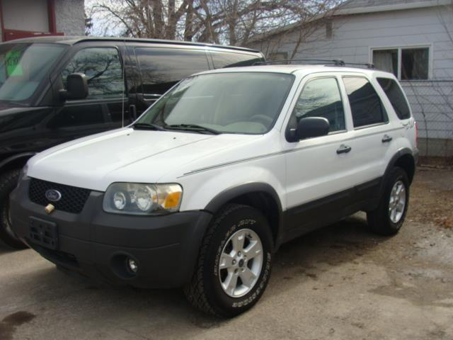 2005 Ford Escape X L T  #1869