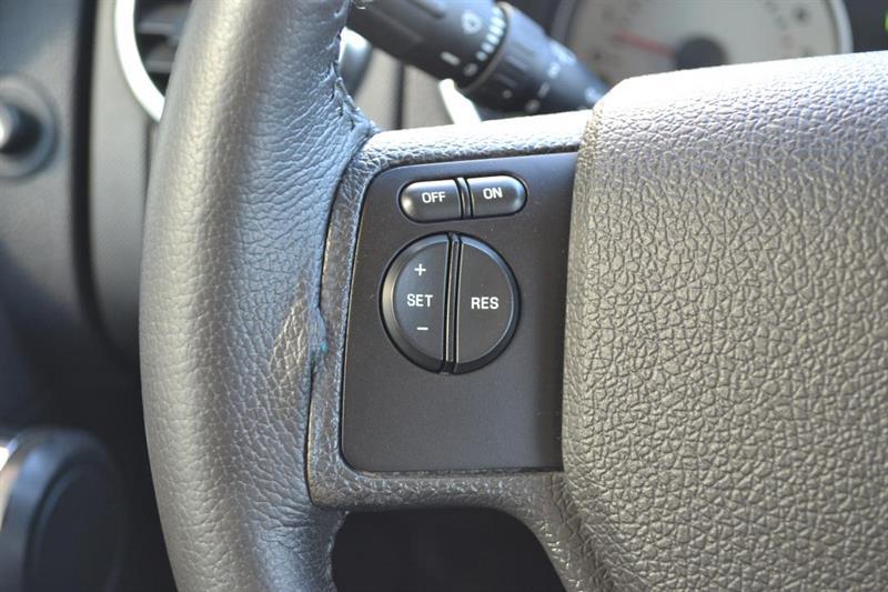 Ford Explorer 4X4 11
