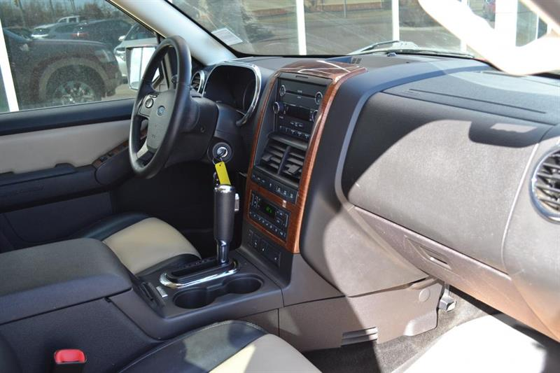 Ford Explorer 4X4 22