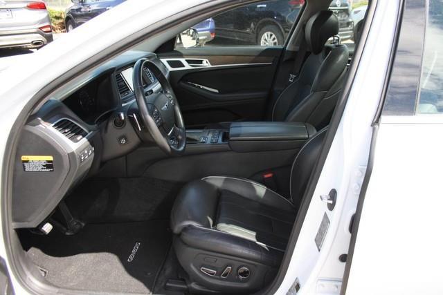 Hyundai Genesis 11