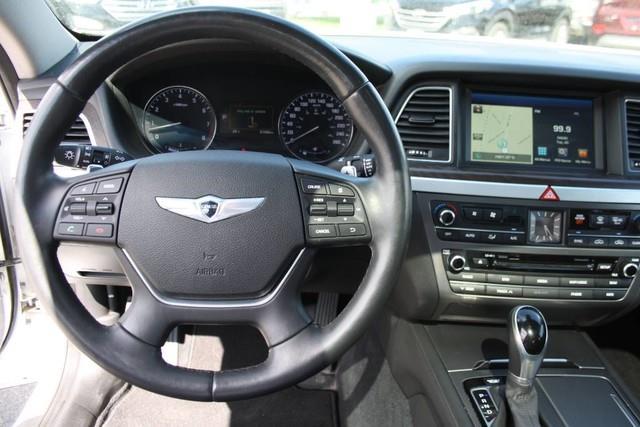 Hyundai Genesis 12