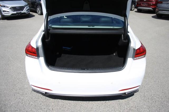 Hyundai Genesis 15