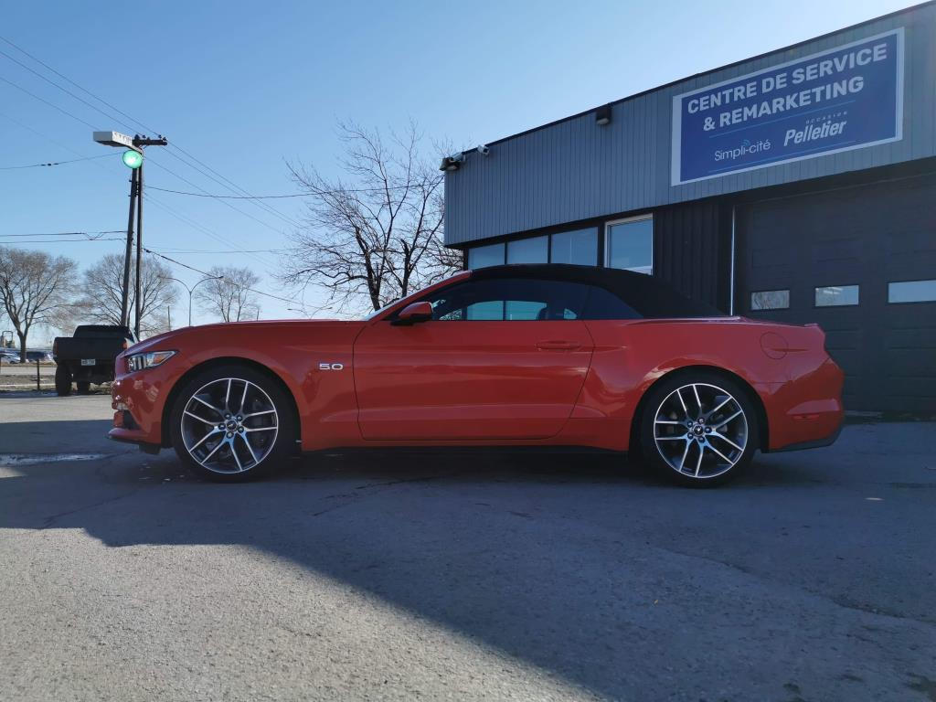 Ford Mustang Convertible 5