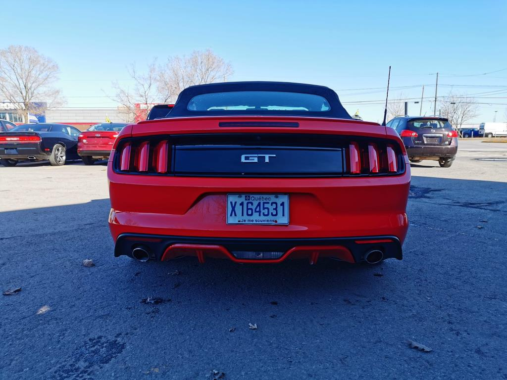 Ford Mustang Convertible 11