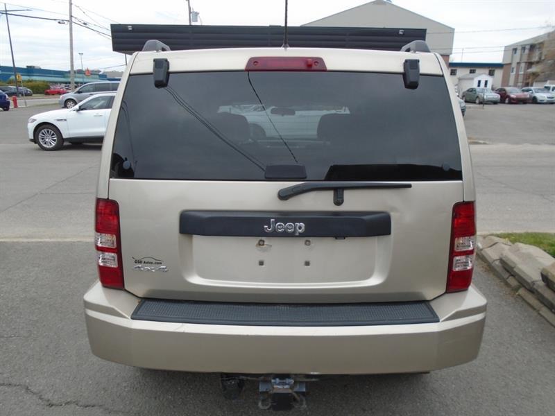 Jeep Liberty 5