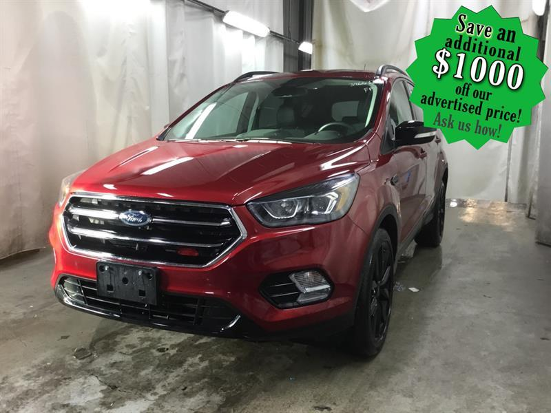 2019 Ford Escape Titanium 4WD  LOW KMS/Nav/Leather/Pano roof #24415