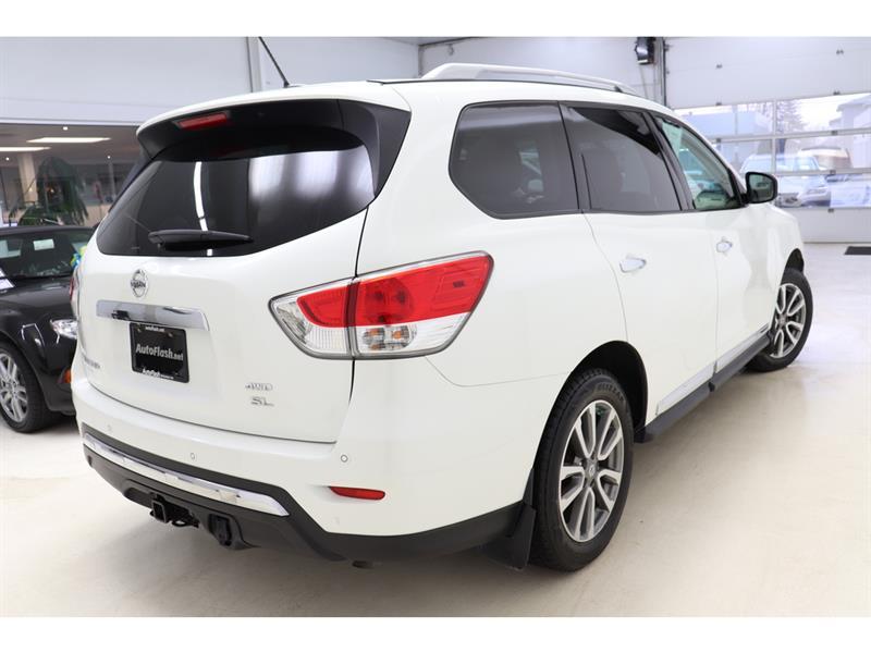 Nissan Pathfinder 7