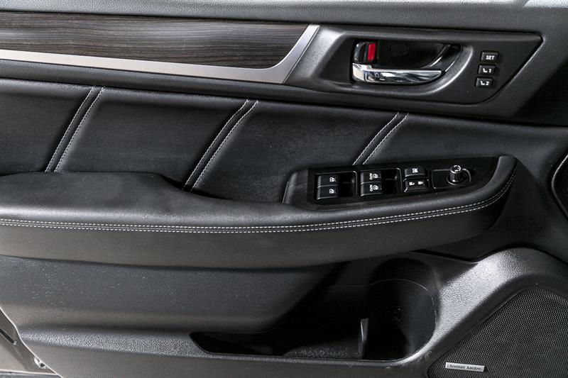 Subaru Legacy 24