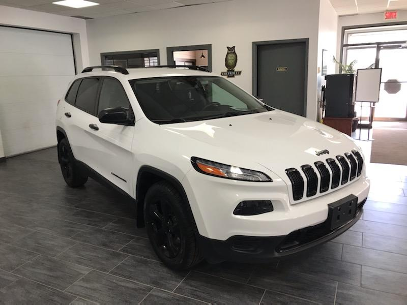 Jeep Cherokee 2016 4WD 4dr Altitude BLACK TOP CAMERA #GW364030