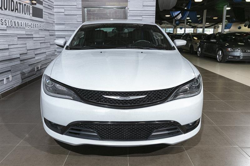 Chrysler 200 9
