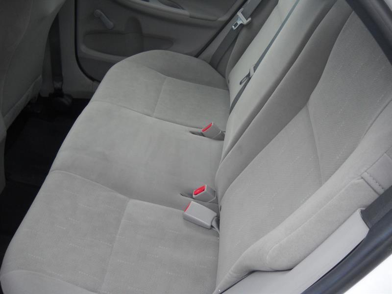 toyota Corolla 2011 - 10