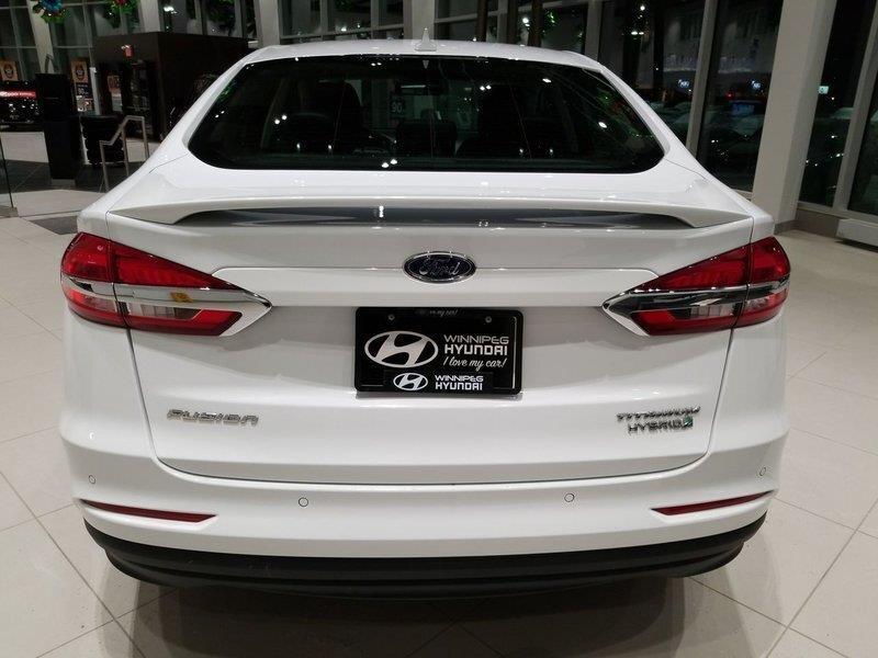 Ford Fusion Hybrid 8