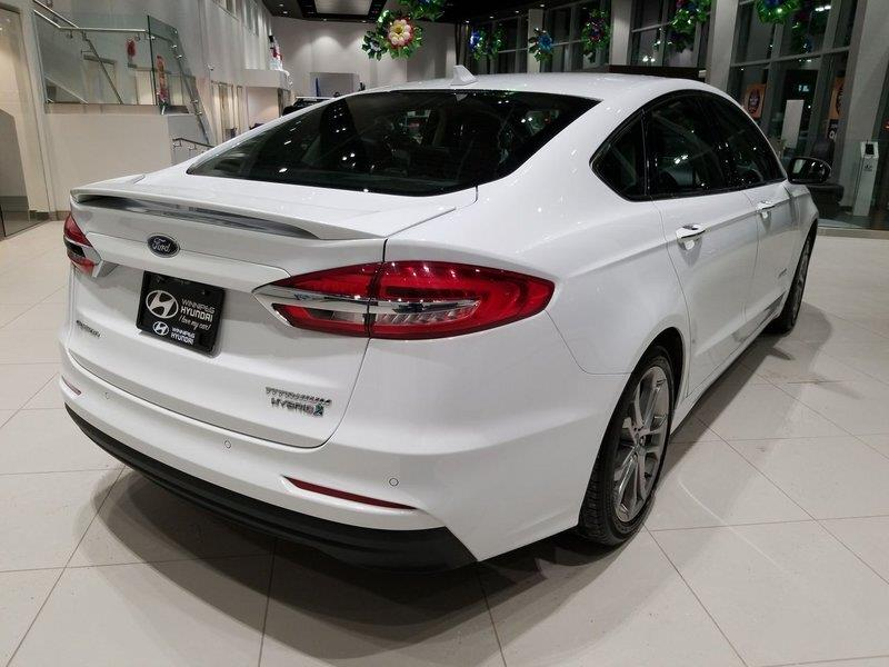 Ford Fusion Hybrid 9