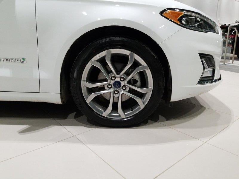 Ford Fusion Hybrid 10