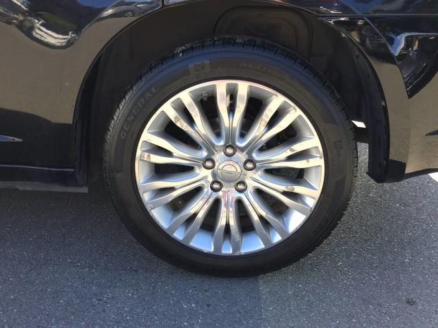Chrysler 200 11